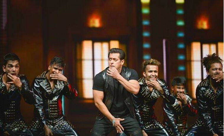 salman khan photos from dabangg tour
