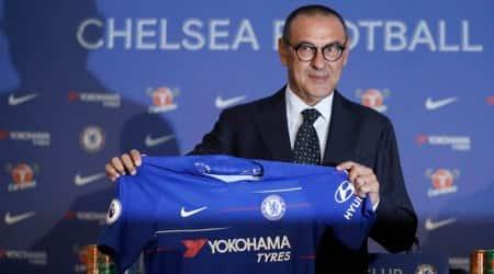 CescFabregas wants Chelsea to embrace Maurizio Sarri's newformation