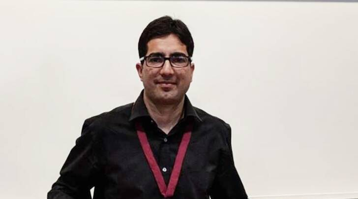 Kashmir ias officer, Kasmir ias officer sarcastic tweet, Kashmir IAS officer rape tweet, shah faesal, enquiry against shah faesal, kashmir ias officer, kashmir news, shah faesal news, Jammu and kashmir,