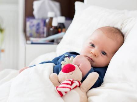 baby heart condition, congenital heart disease, heart murmur symptoms, baby heart defects, express parenting