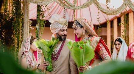 Have you seen these photos from Sonam Kapoor and Anand Ahuja's wedding?
