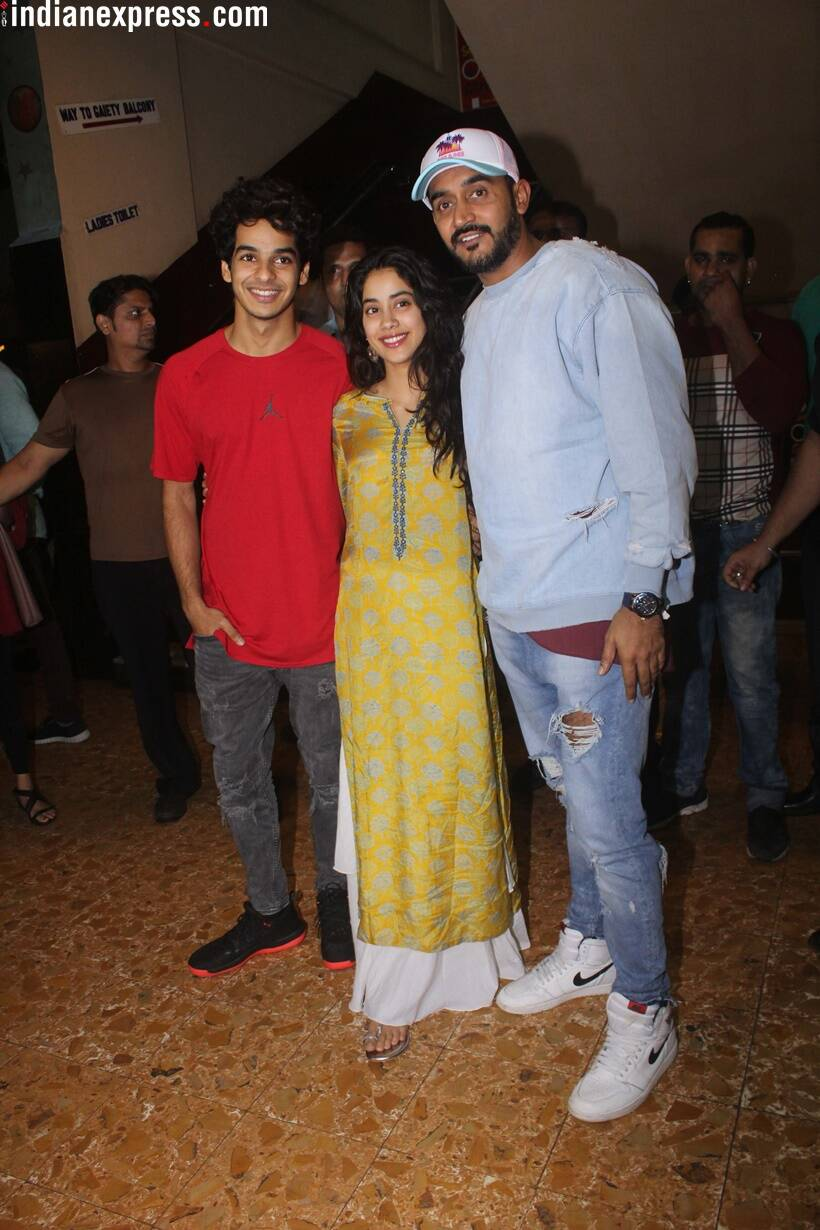 dhadak actors jhanvi kapoor and ishaan khatter and director shashank khaitan