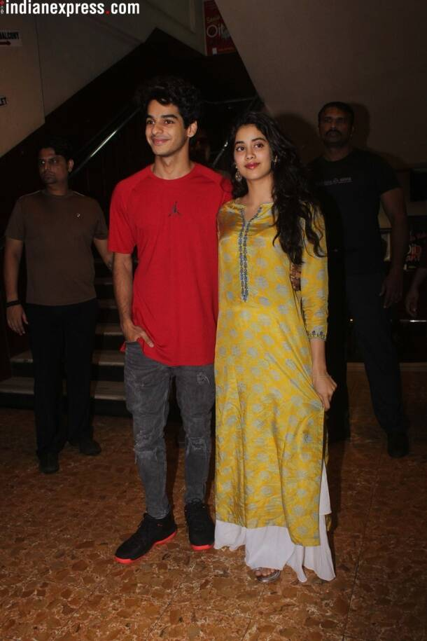dhadak actor ishaan khatter and jhanvi kapoor