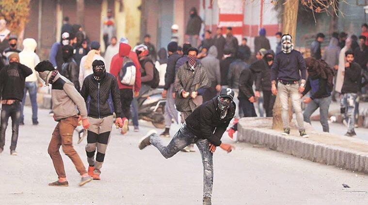 Jammu and kashmir, jammu and kashmir stone pelting, stone pelting in j&k, j&k news, stone pelting drops, j&k violence, indian express