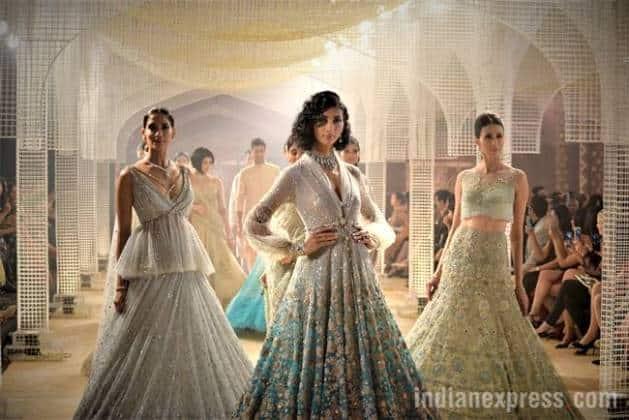Aditi Rao Hydari, Tarun Tahiliani, India Couture Week, Tarun Tahiliani India Couture Week 2018, Aditi Rao Hydari fashion show, Aditi Rao Hydari Tarun Tahiliani, indian express lifestyle