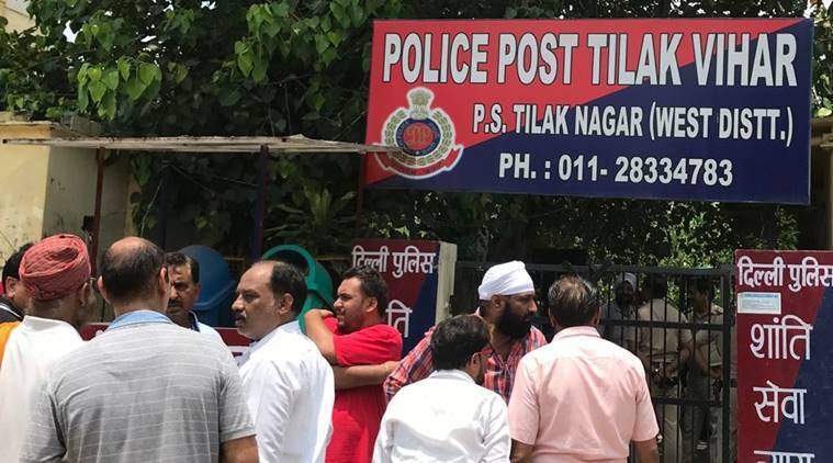 Delhi: 17-year-old girl commits suicide at police station