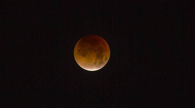 Kiwis to get glimpse of blood moon