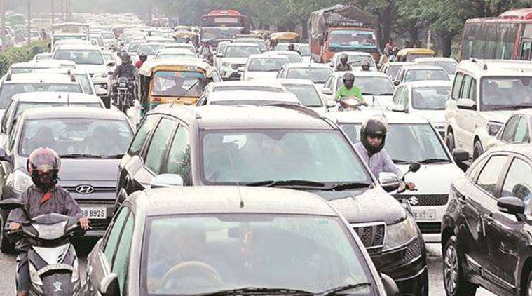 chandigarh traffic, chandigarh traffic jam, chandigarh madhya marg, chandigarh traffic chaos, madhya marg traffic, chandigarh traffic police