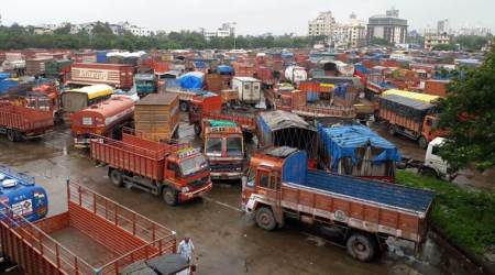 Truckers' strike LIVE updates: Protest more effective in Mumbai, School bus owners association extend support