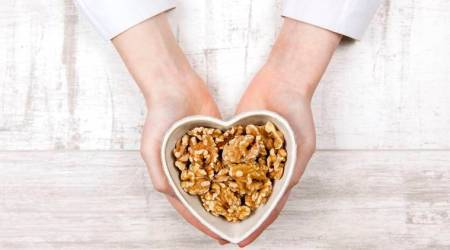 Why diabetic patients should include walnuts in theirdiet