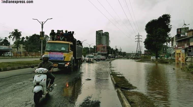 Kerala floods: As rainwater recedes, fear of disease outbreak looms
