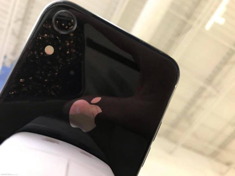 Apple, Apple iPhone 9, iPhone 9 live images, iPhone 9 images, iPhone 9 rear camera, iPhone 9 leaked, Apple iPhone 6.1-inch LCD