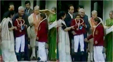 This video of Atal Bihari Vajpayee lifting a child awardee is making people smile