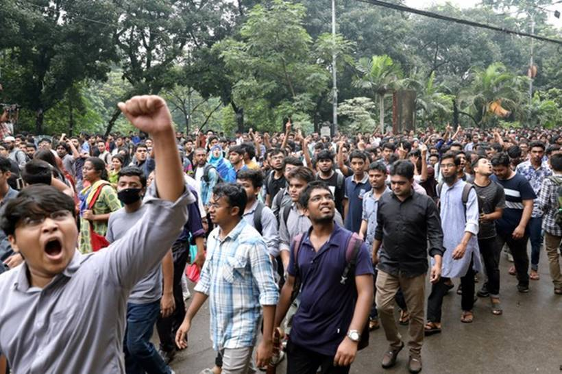 Bangladesh protests: How students brought Dhaka to a standstill
