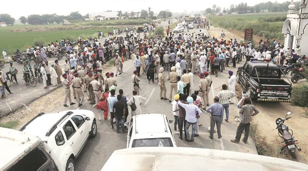 Six killed in wall collapse: Victims' kin block traffic on highway for nine hours