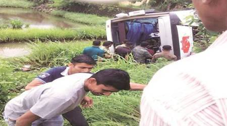 Dapoli again: Narrow escape for 31 passengers as ST bus overturns