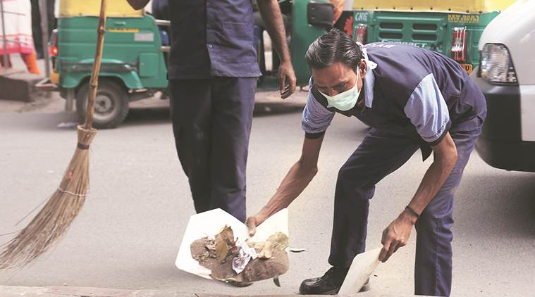 Arvind Kejriwal, safety kits for sanitation workers, sanitation workers, sanitation workers death, sanitation worker in delhi, Indian Express news, Latest news