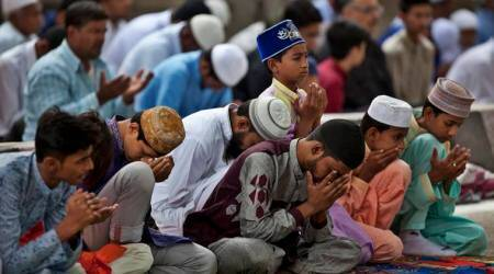 Mosques flooded, a Kerala temple opens doors for Muslims to offer Eidnamaz