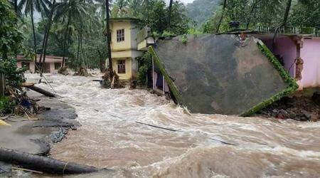 Kerala floods: IMD issues red alert, Kochi airport shut till Saturday