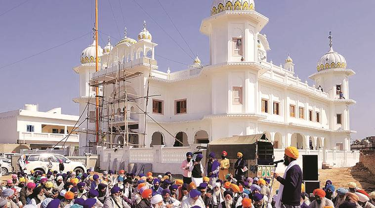 guru nanak, guru nanak birthday, Sikh guru birthday, sikh prilgrims, pakistan issues visas, guru nanak 550th birth anniversary celebration, indo pak relation, pakistan news, india news, indian express