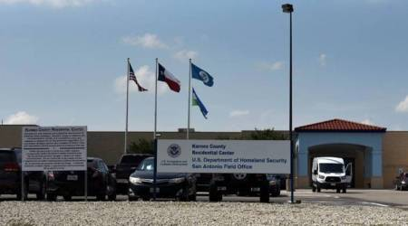 Detained immigrants in Texas on hunger strike -rightsgroup
