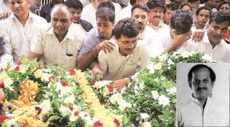 Supporters gather at Gurudas Kamat's Chembur house to pay last respects