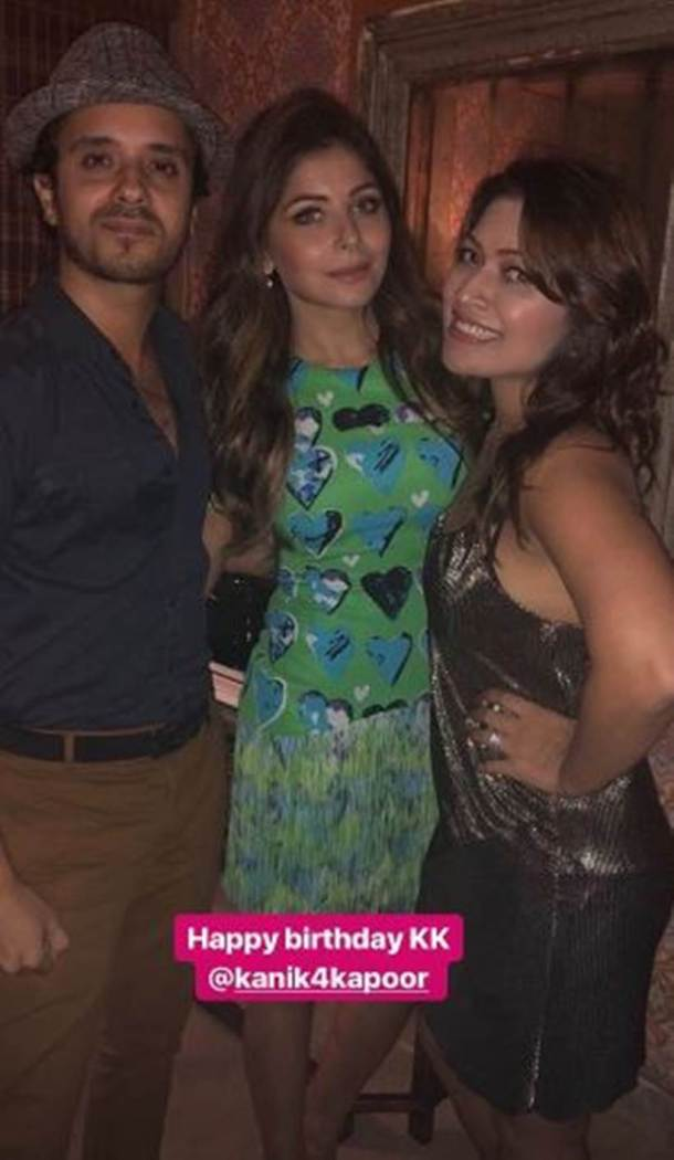 kanika kapoor inside party