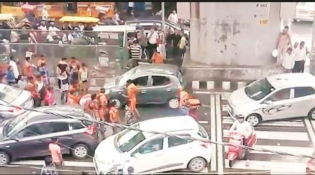 Delhi: Day after kanwarias vandalise car, police claim vehicle occupants slapped one of them