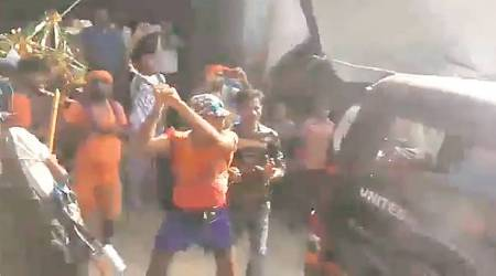 Video of group attacking police van in UP's Bulandshahr goes viral, cops deny role of kanwariyas