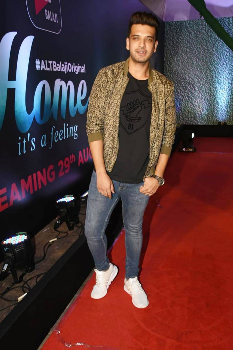 Karan Kkundra in Home