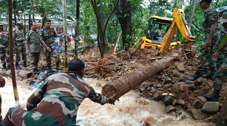 Army conducts rescue mission as part of Operation Madat after heavy rain showers disrupts normnal life in Kerala. (Source: Twitter/Mohanlal)