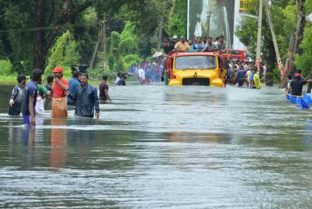 Kerala battles worst flood in 100 years, massive rescue operations underway