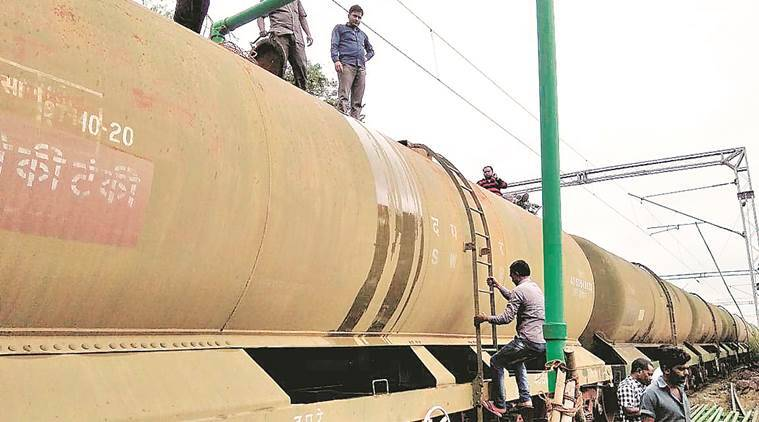 Kerala floods: On its way from Pune, a train with over 14 lakh litres of drinking water