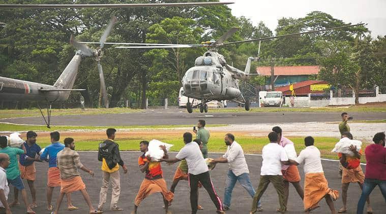 Kerala floods, Kerala rains, Narendra Modi in Kerala, Modi in Kerala, Chengannur, Ernakulam, Aluva, Wayanad, Kerala rains and floods, Kerala rescue, Pinarayi Vijayan, idukki, Modi in Kerala, kerala landslide, Indian Express
