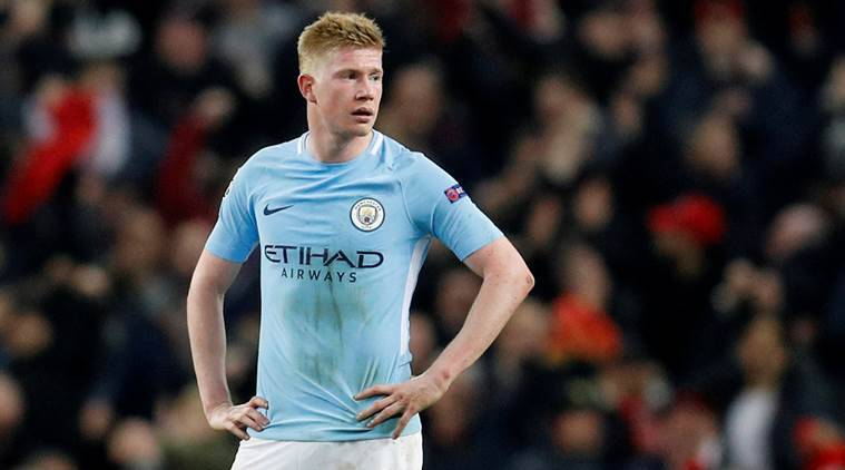 Manchester City's Kevin De Bruyne out for three months with knee injury