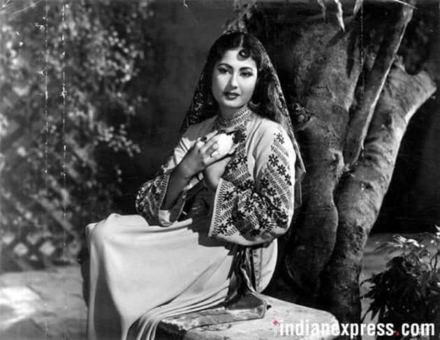 remembering meena kumari on her birth anniversary