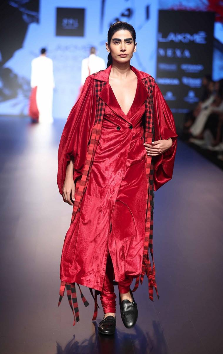 Lakme fashion week, Lakme fashion week 2018, Lakme fashion week designers, Lakme fashion week highlights, Lakme fashion week photos, Lakme fashion week models, indian express, indian express news