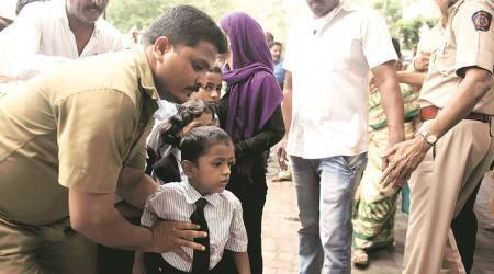 Mumbai school poisoning: She had burning sensation in chest, vomited blood, say kin of deceased girl