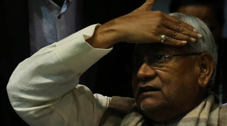 Youth throws slippers at Nitish Kumar to protest quota