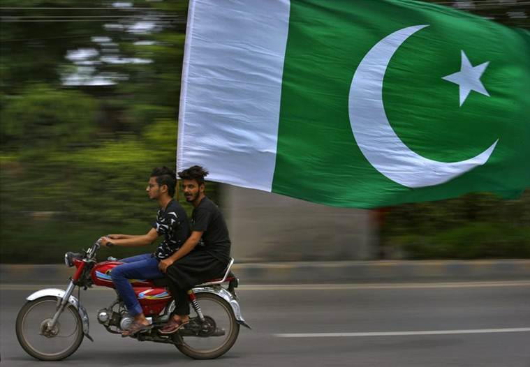 Berlin buses carry 'Discover Pakistan' ads on Independence Day