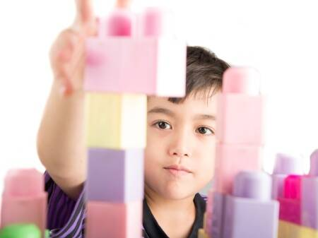 play and learn, child creativity