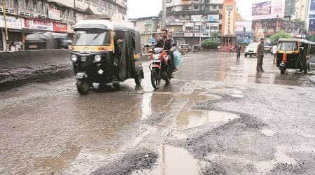 traffic jam in Mumbai, traffc jam on Sion-panvel, potholes, PWD, drainage network, Mumbai news, Indian Express
