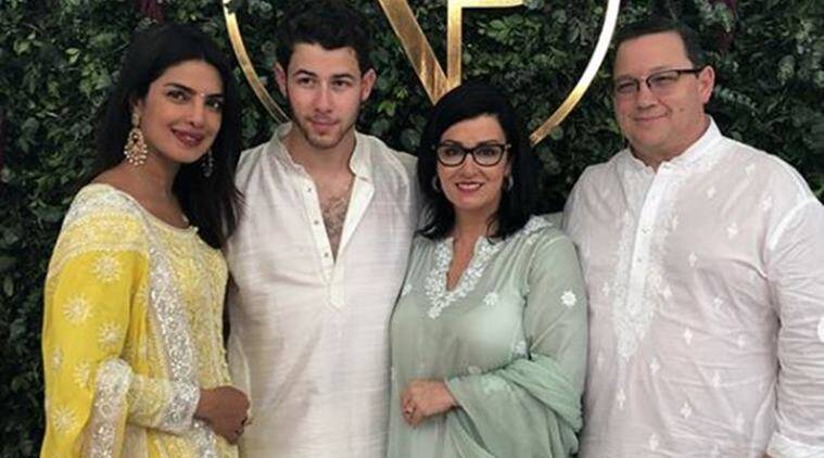 Priyanka Chopra poses with Nick Jonas family