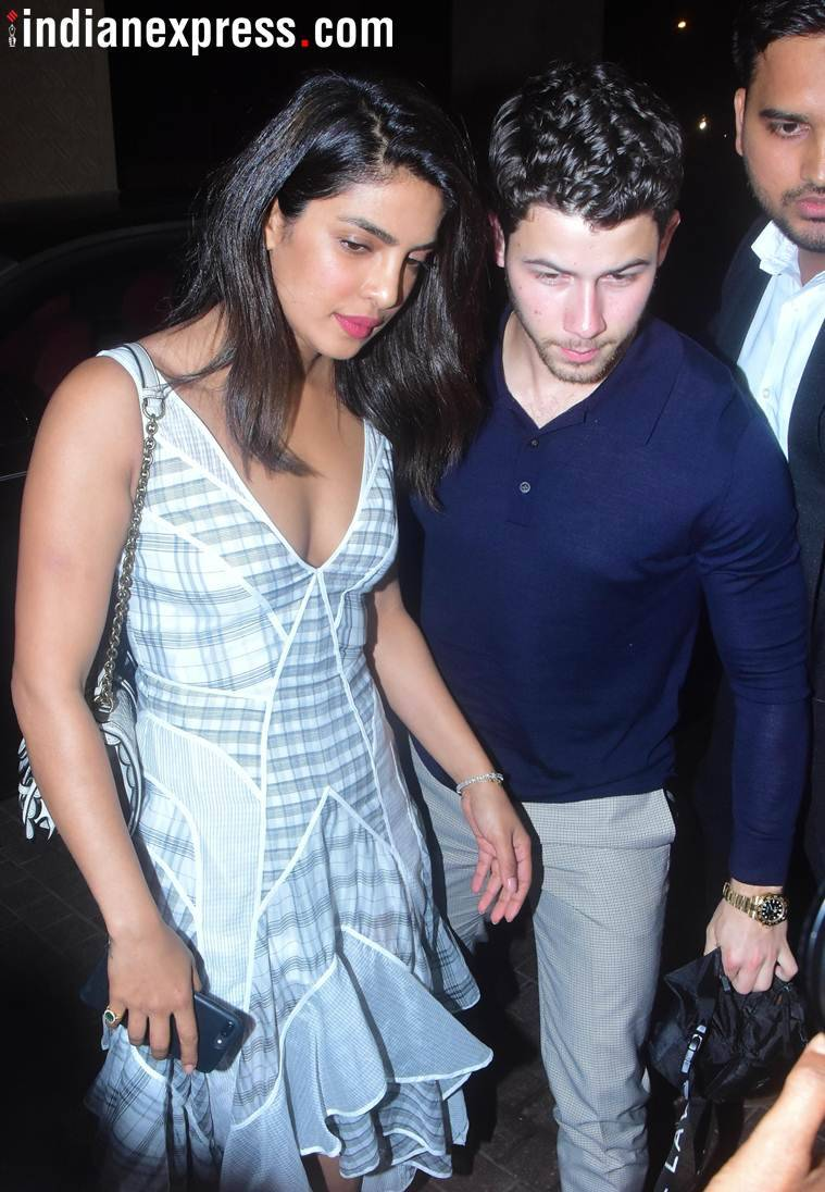 priyanka chopra, nick jonas dinner date