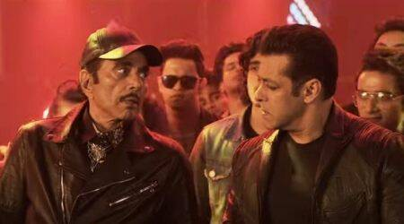 Yamla Pagla Deewana Phir Se song Rafta Rafta: Salman Khan and Dharmendra number has all elements of a party anthem