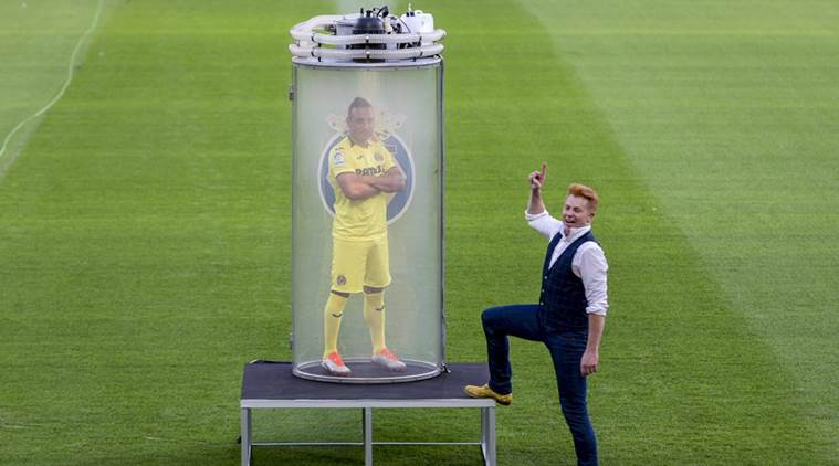 Ex-Arsenal Santi Cazorla unveiled by Villarreal with bizarre magic stunt