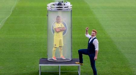 WATCH: Magician unveils Santi Cazorla at Villarreal in utmost bizarre fashion