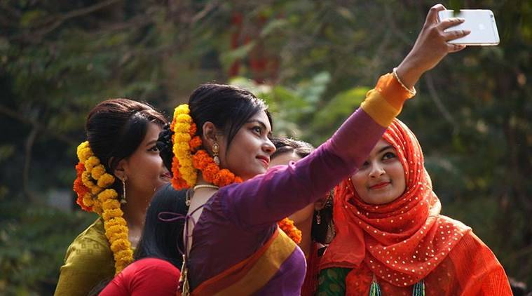 Attractive selfies by women linked to economic inequality: study