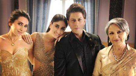 """Shah Rukh Khan spends """"lovely evening with elegant ladies"""", seephoto"""
