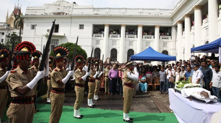 Somnath Chatterjee, who died of multiple-organ failure at a city hospital this morning, was given a gun salute by the state at the West Bengal Assembly. (Express photo/Partha Paul)